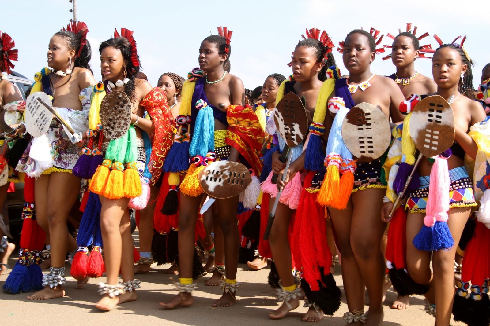 Topless african zulu dance - 3 7